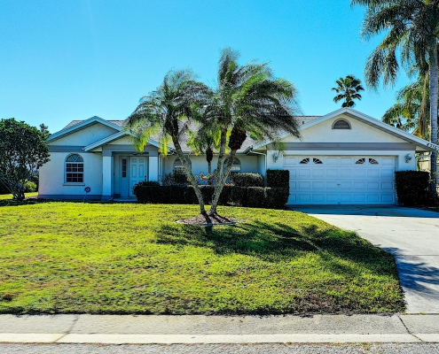 Real Estate Sarasota Home With Palm Trees